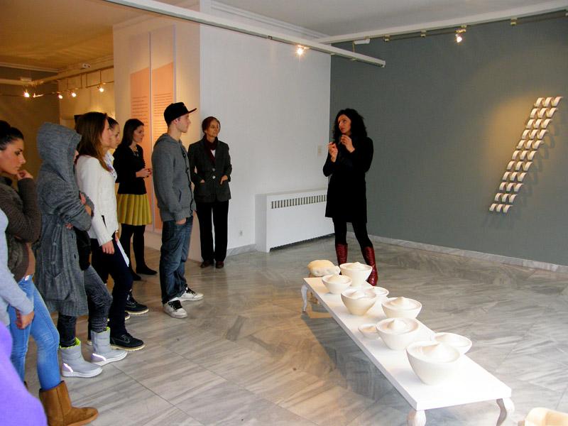 1 Umetnikca, A women artist, exhibition, Museum of applied arts, Belgrade, womens in ceramic art