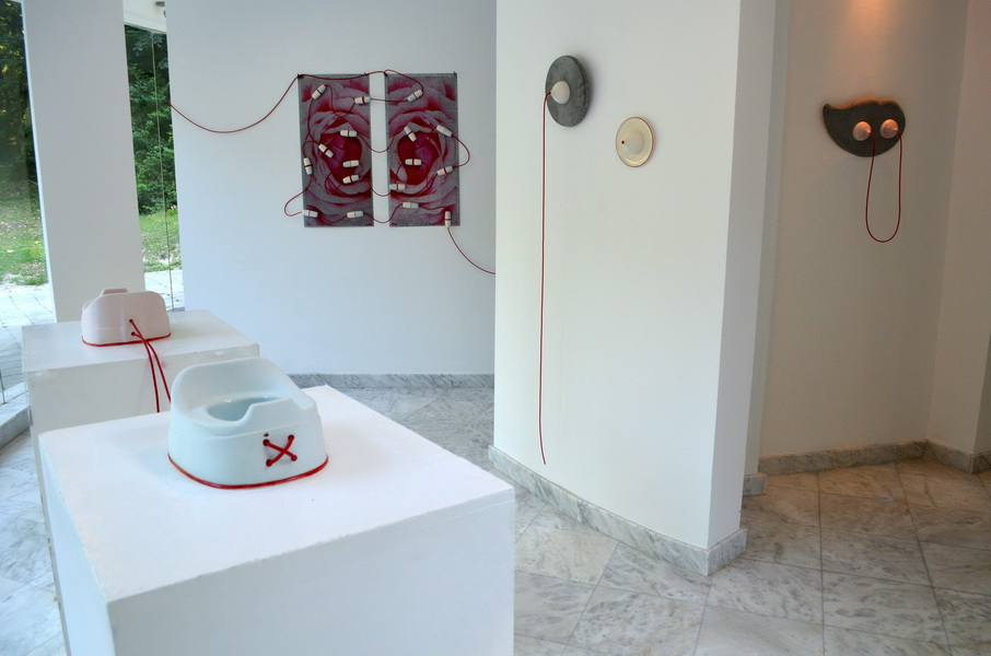 1. Network mixed media, ceramic, porcelain, concrete, metal and rubber instalation