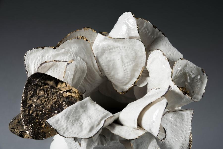 1.Existential vase, detail,slip casted porcelain, gilded,Valentina Savic, UNICUM 2018