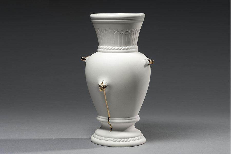 5.Existential vase,slip casted porcelain, gilded, exhibition Drina Gallery 2018 ,Valentina Savic